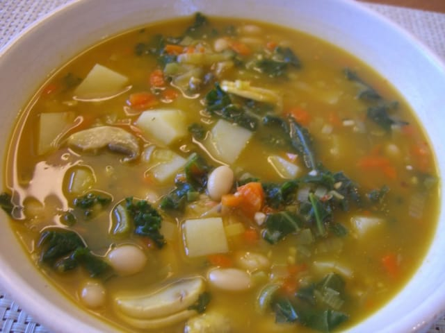POTATO, WHITE BEAN & KALE SOUP epic