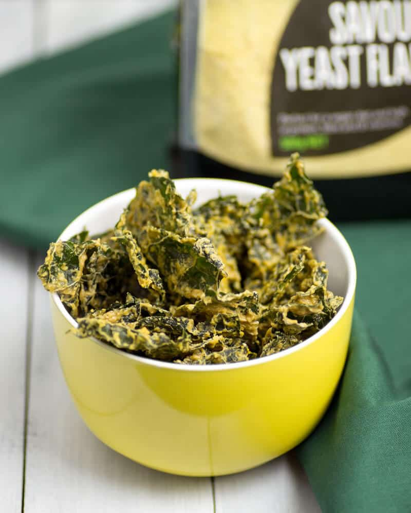 Raw-Dehydrator-Cheesy-Kale-Chips-1-@OmNomAlly