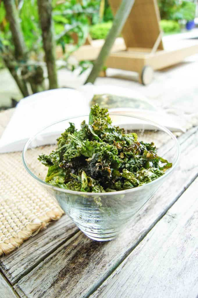 Vegan-Cheesy-Kale-Chips-3-2
