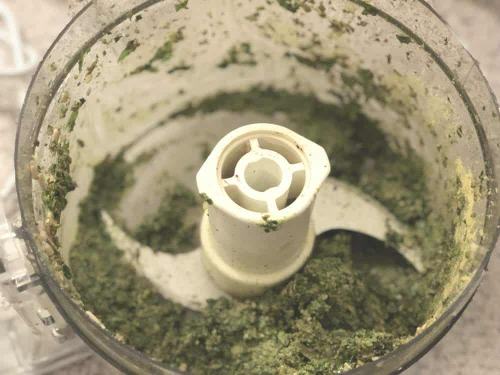 sunflower seed pesto for pizza topping