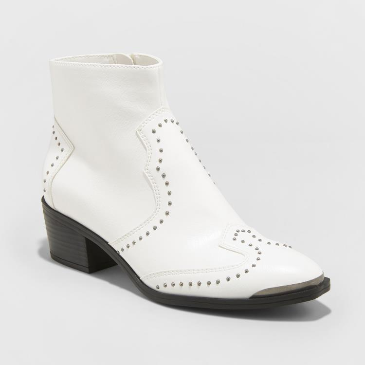 WHITE STUDDED WESTERN ANKLE BOOTIES WITH SILVER TOE TIP BY UNIVERSAL THREAD