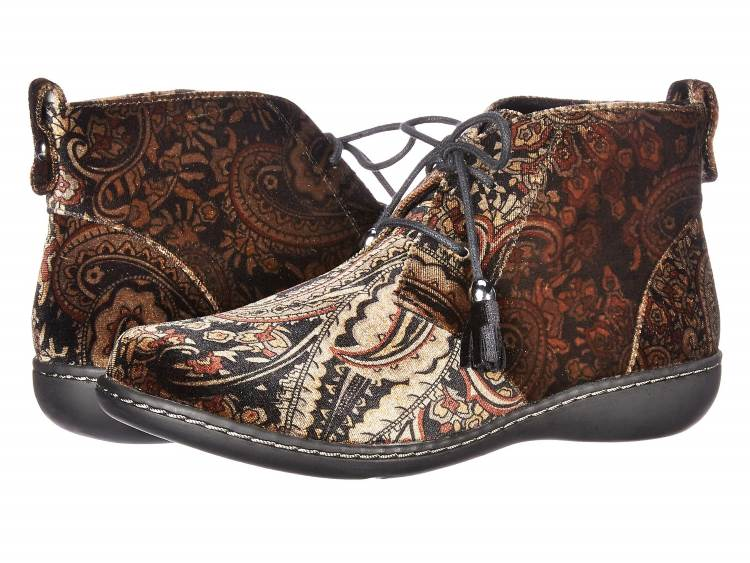 WOMENS BOHO PAISLEY VELVET CHUKKA ANKLE BOOTS BY SOFT STYLE