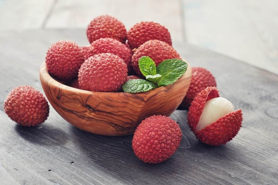 Lychees in bowl