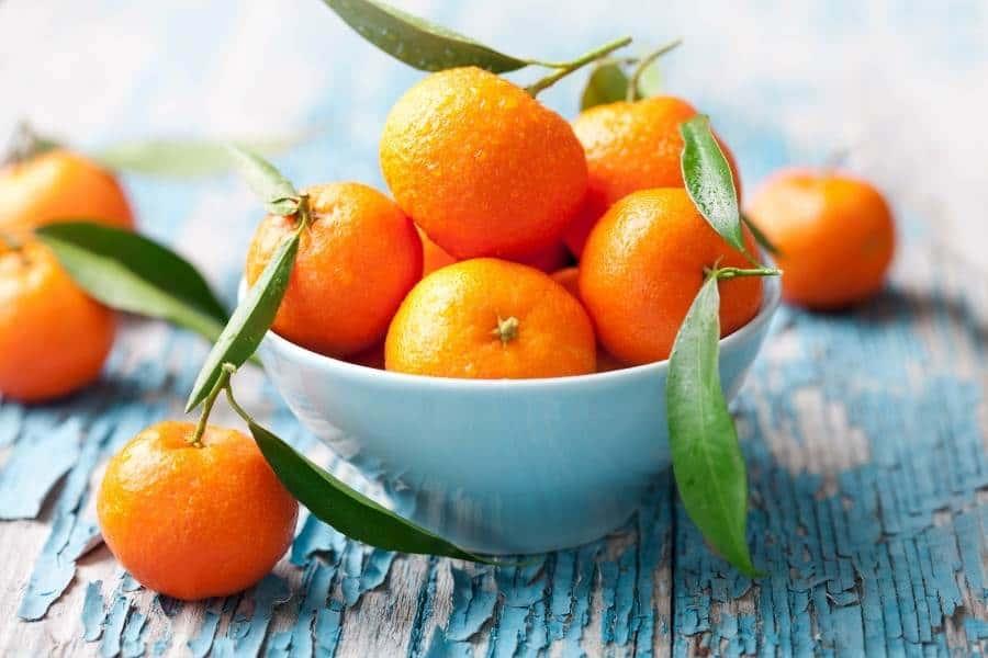 Tangerines in bowl